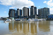 Luxury Waterfront Apartments On The River — Stock Photo