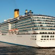 Passenger liner — Stock Photo