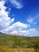 Wolken en bergen. krim — Stockfoto