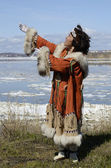 Dancing chukchi woman — 图库照片