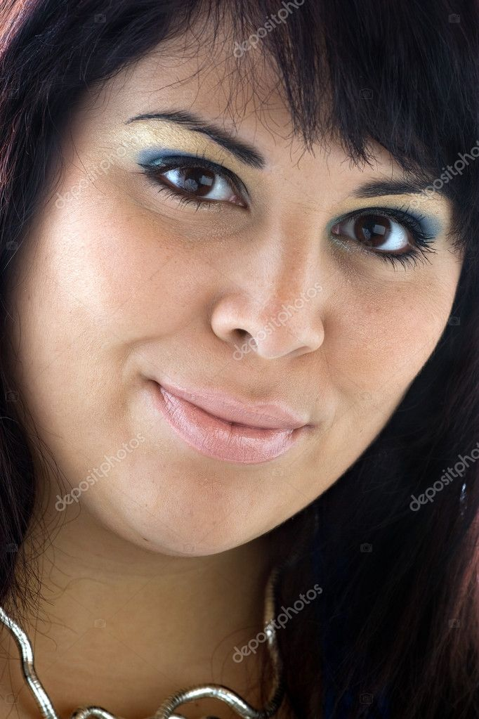 A beautiful young Hispanic woman with a smile on her face. — Stock Photo #6791164