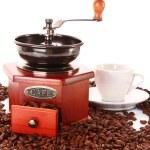 kahve Öğütücü ve üzerinde beyaz izole Kupası — Stok fotoğraf