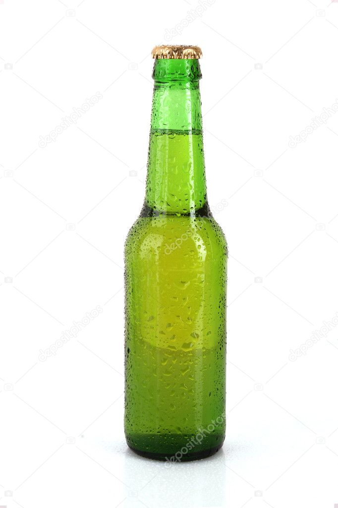 Green glass bottle with beer isolated on white — Stock Photo #6782469