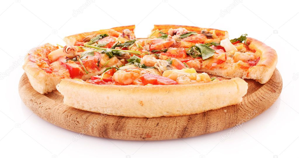 Pizza isolated on white — Zdjęcie stockowe #6785812