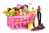 Verduras y vino en una cesta — Foto de Stock
