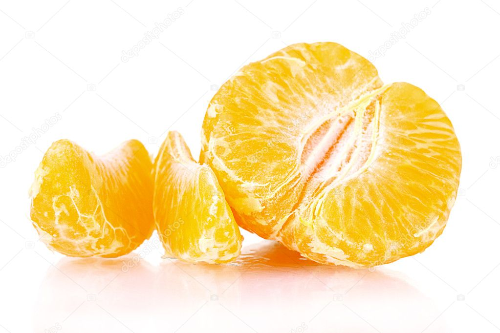 Fresh tangerine with leaves and segments isolated on white — Stock Photo #6795595