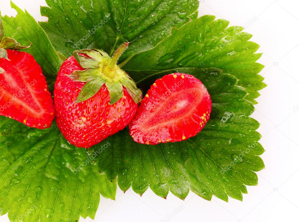 Strawberry with green leaves isolated on white — Stock Photo #6795878