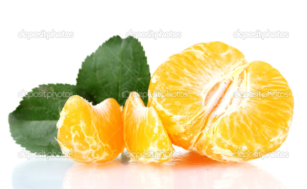 Fresh tangerine with leaves and segments isolated on white — Stock Photo #6801123