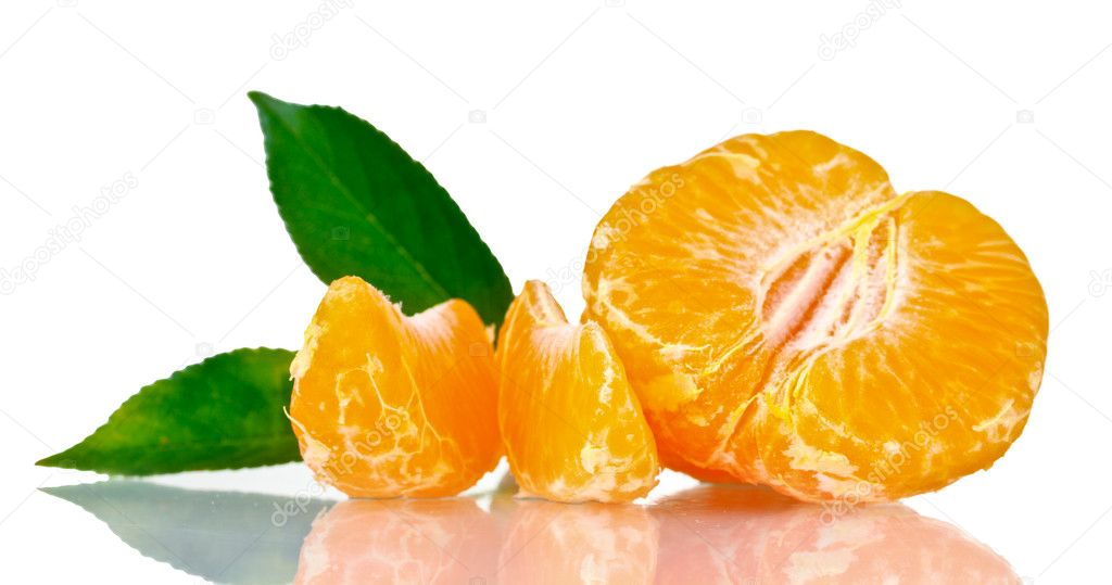 Fresh tangerine with leaves and segments isolated on white — Stock Photo #6801922