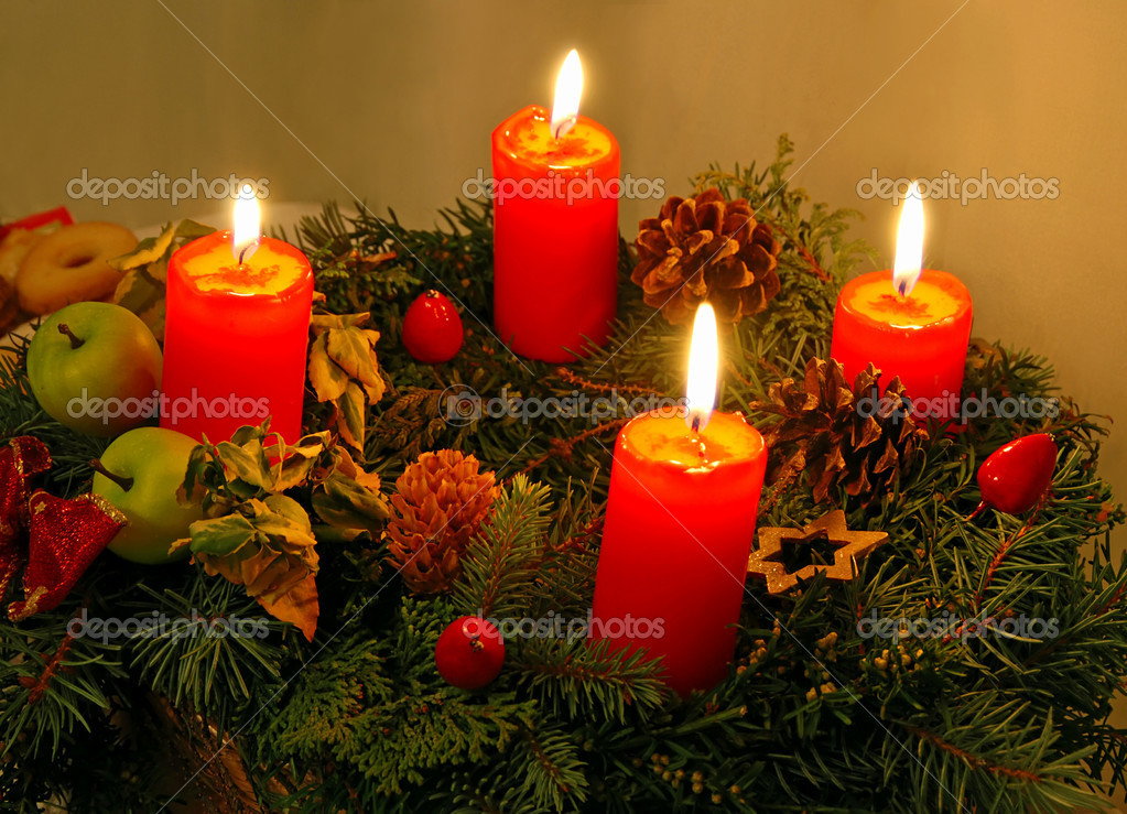 Christmas wreath with four red burning candles — Stock Photo #6806566