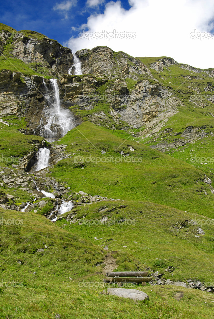 Альпийский водопад