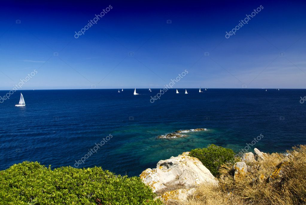 Regata sailing competitin. Yachts racing on the blue sea — Lizenzfreies Foto #6809176