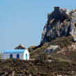 Romantic Greek wedding chapel and a mountain — Foto de Stock