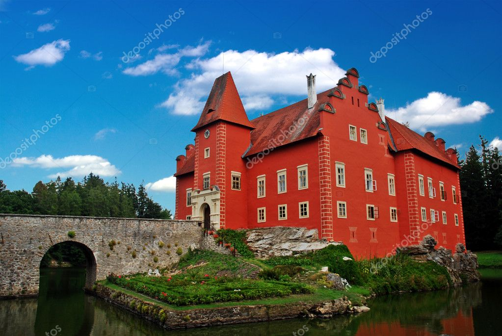 The red water chateau in the the Czech republic — Stock Photo #6810201