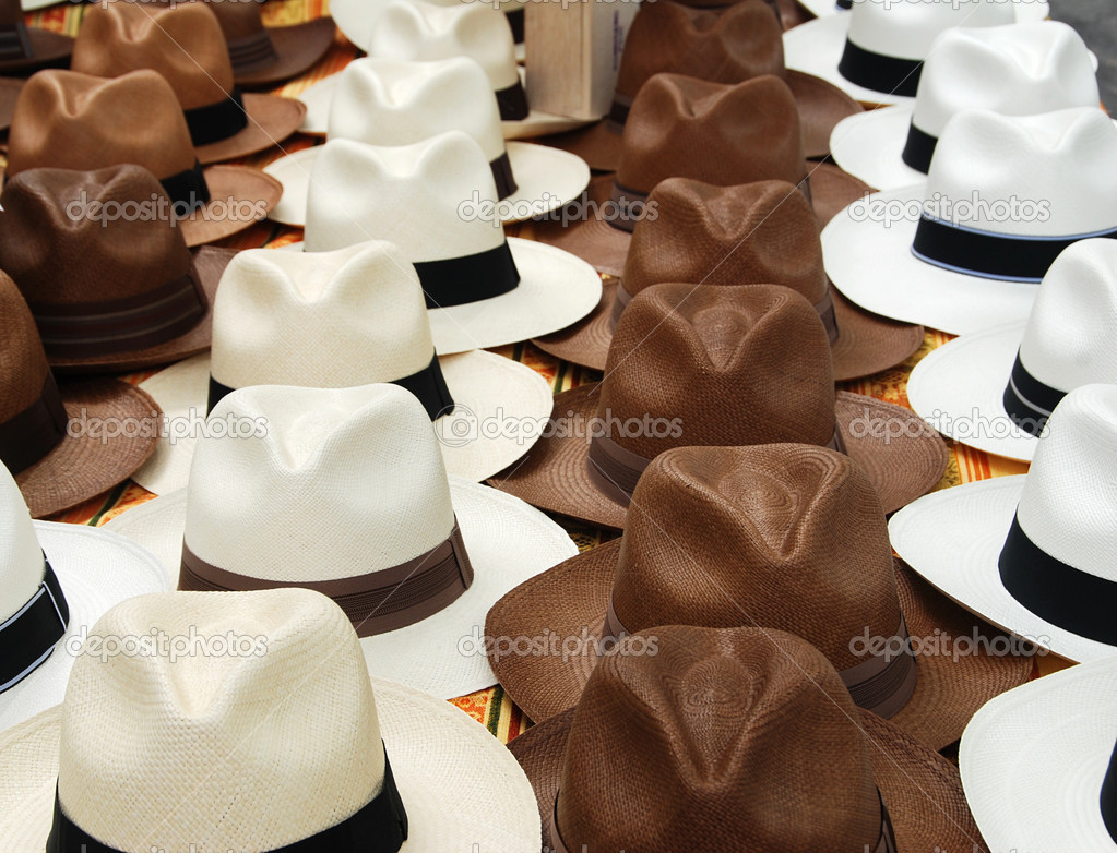 White and brown hats in rows on the market in Paris, France — Stock Photo #6810727