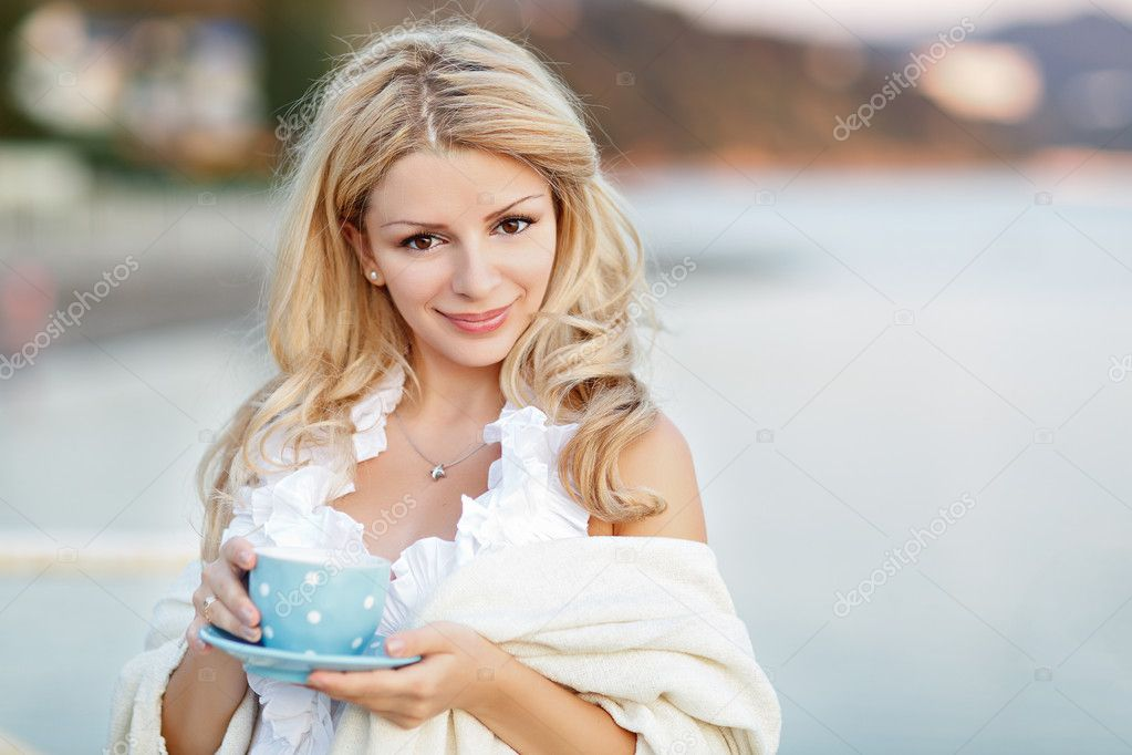 симпатичные девушки блондинки фото