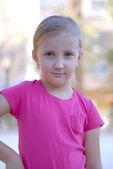 Retrato de uma menina, uma criança — Foto Stock