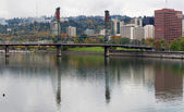 Reflection of Hawthorne on Willamette River — Stock Photo