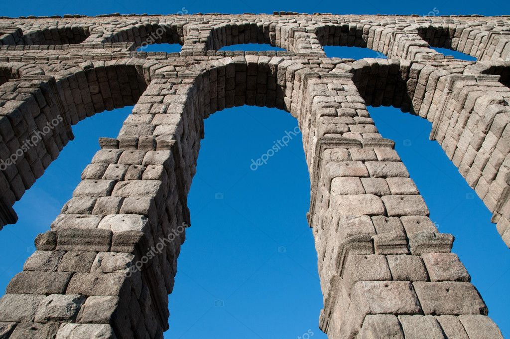 Below view of Roman aqueduct of Segovia, Spain. — Stock Photo #6803179