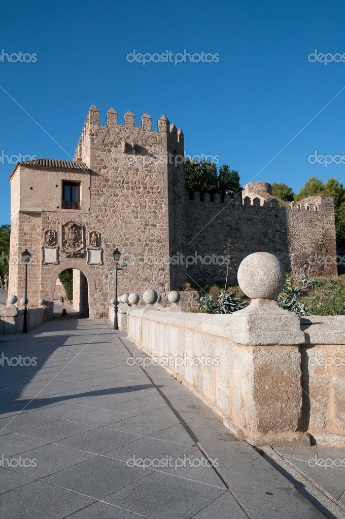 Medieval San Martin's bridge in Toledo, Spain.  Stock Photo #6803204
