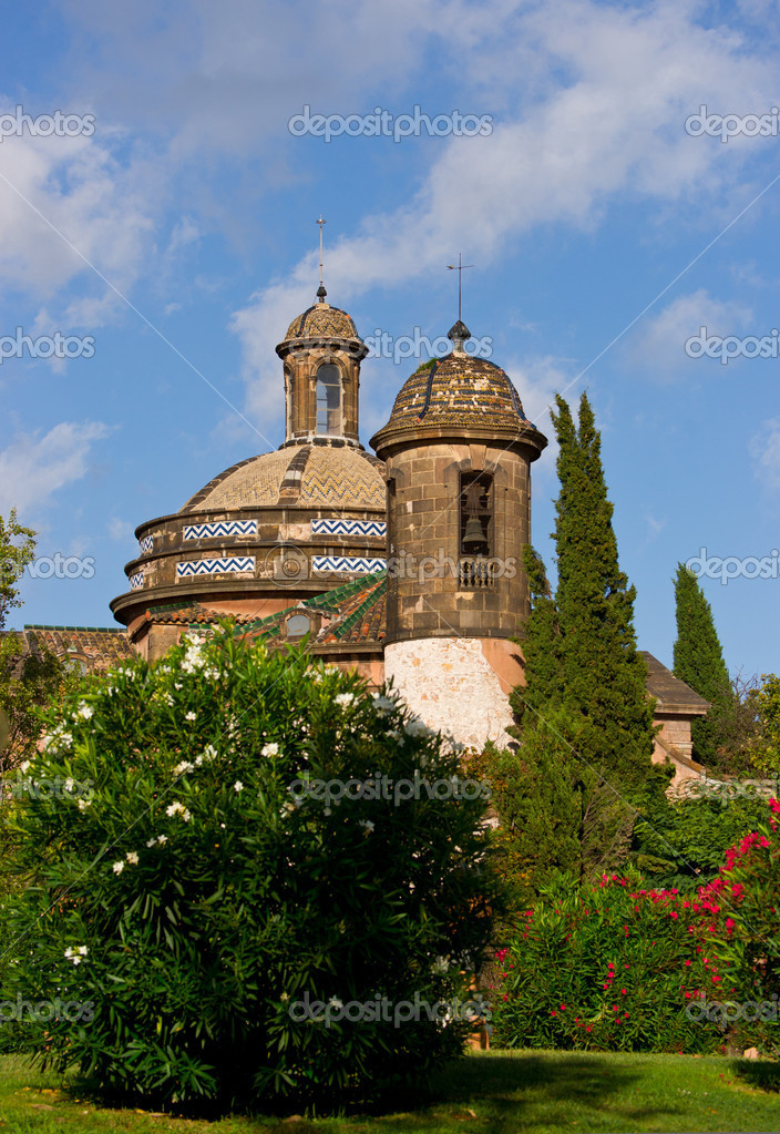 Old church in spanish park. Barcelona. Park Ciutadella. Summer 2011. — Stock Photo #6823227