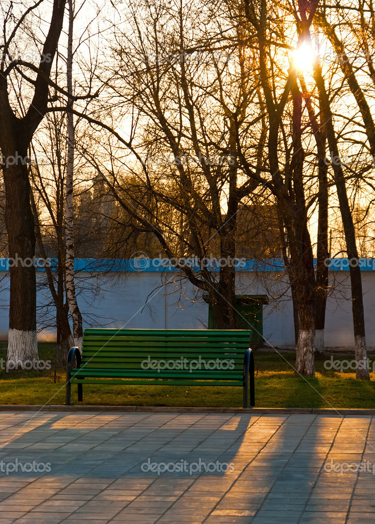 Bench in the russian monastery in the evening. Pereslavl Zalessky, Spring 2009 — Stock Photo #6929116