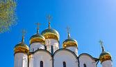 Russian othodox golden domes on sunshine — Stock Photo