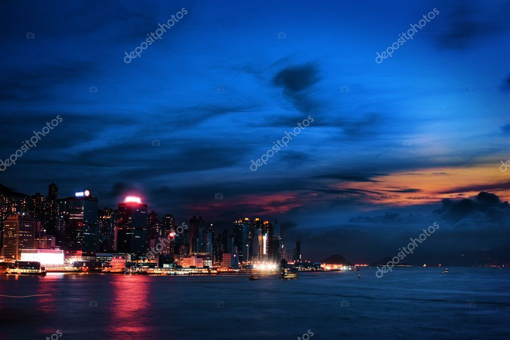 Colorful sunset in Kowloon Hong Kong — Stock Photo #6847703