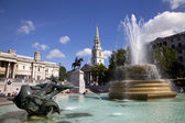 Trafalgar Square Fountains and St. Martin in the Fields Church — Stock Photo
