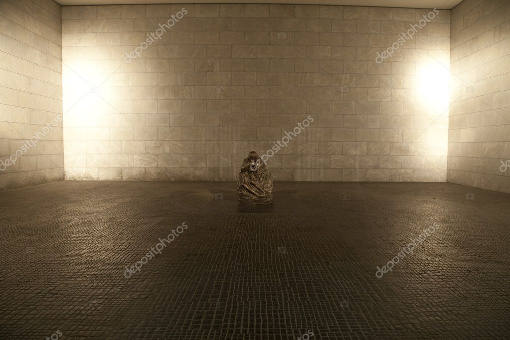 The interior of the Neue Wache in Berlin.  A Memorial to all victims of War and Dictatorships.  — Stock Photo #6827629