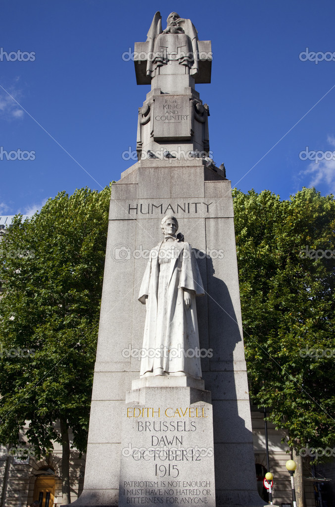 A Statue/Monument for famous British Nurse Edith Cavell who died during the 1st World War. — Stock Photo #6828256