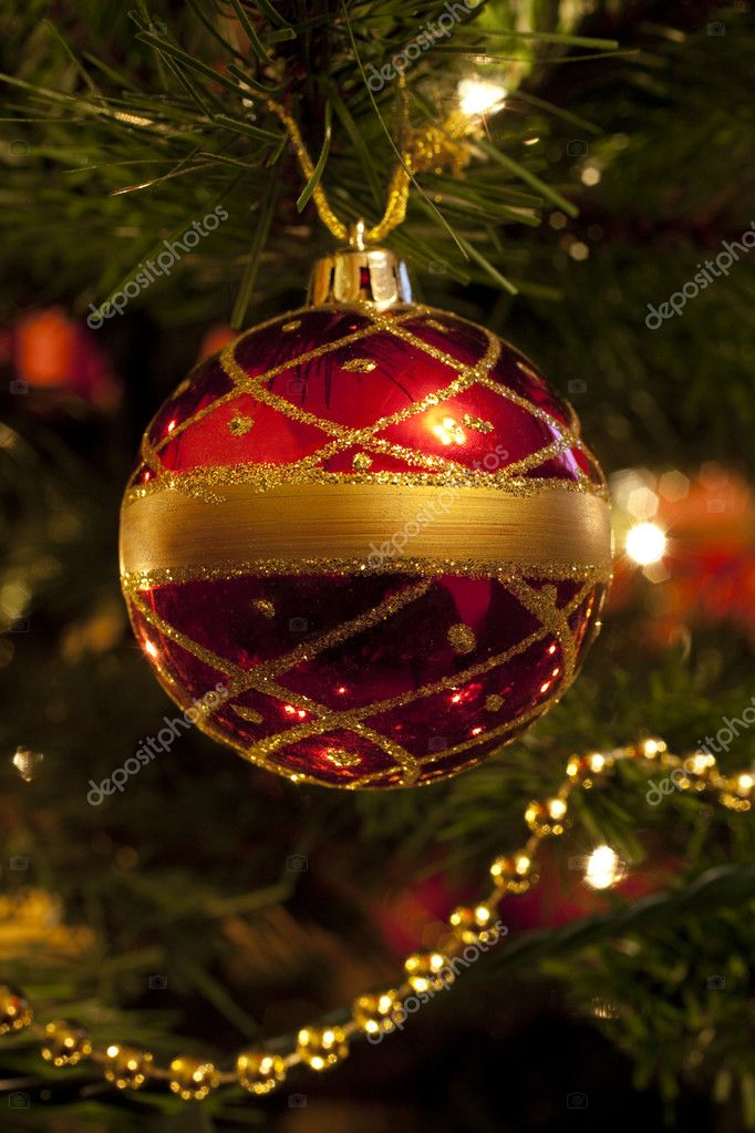 Christmas Bauble on tree. — Stock Photo #6828700