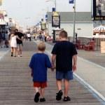 Strolling Down The Boardwalk — Stock Photo