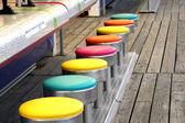 Colorido jogo de tamboretes — Foto Stock