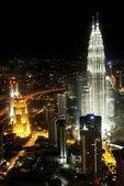 Petronas towers in kuala lumpur malaysia — Stock Photo