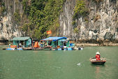 Vietnamese sea gypsy village in halong bay — Stock Photo