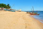 Fabulous beach with dugouts in Majunga — Stock Photo