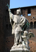 A photo of statue on the Castle Sforzesco . — Foto Stock