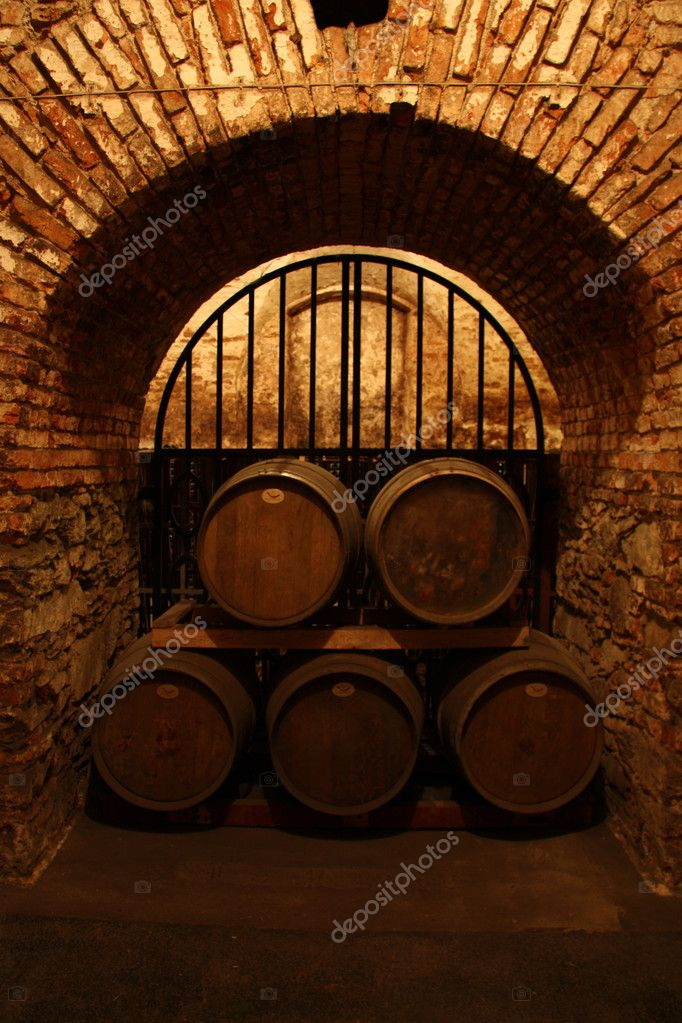 Cellar used as storage bottles of wine — Stock Photo #6870655