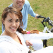 Couple out for a bike ride — Stock Photo