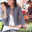 Woman shopping, on the market — Stock Photo #7389672