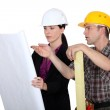 Architect and builder discussing plans — Stock Photo