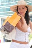 Piękna młoda kobieta, zakupy — Zdjęcie stockowe