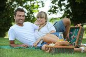 Couple eating a picnic — Stock Photo