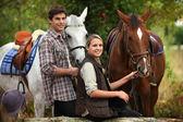 молодые катание на лошадях — Стоковое фото