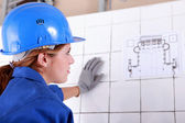 Woman foreman consulting plan — Stock Photo