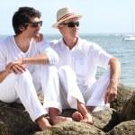 far och son vid havet — Stockfoto #7738499