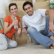 Young couple moving in together — Stock Photo