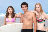 Teenagers at the beach — Stock Photo