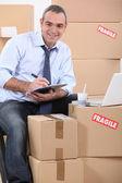 Man organizing a move — Stock Photo
